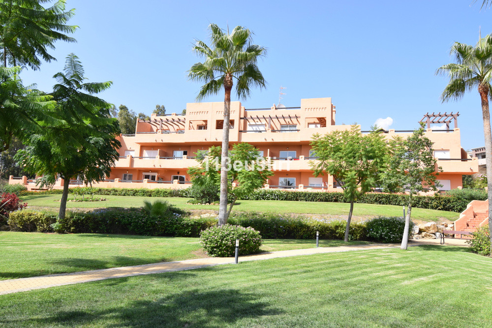 Situated right next to Finca Cortesin Hotel, Golf & Spa, this south facing penthouse offers peac, Spain
