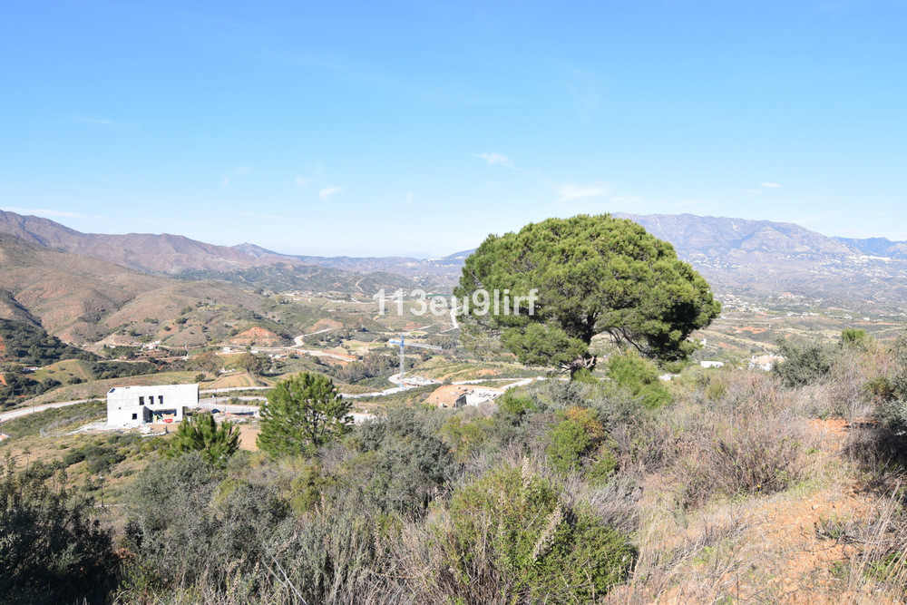 Residential plot located within La Cala Golf Resort with three 18 hole championship golf courses, Cl,Spain