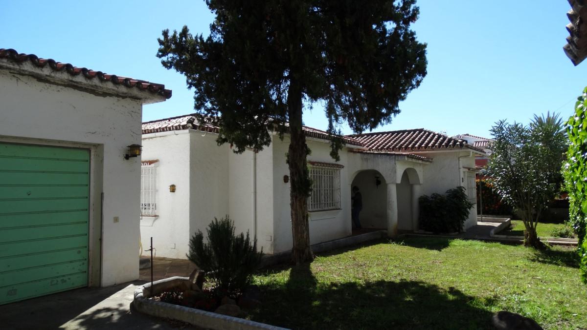 Marbella Banus Villa en Venta en Marbella – R3623807