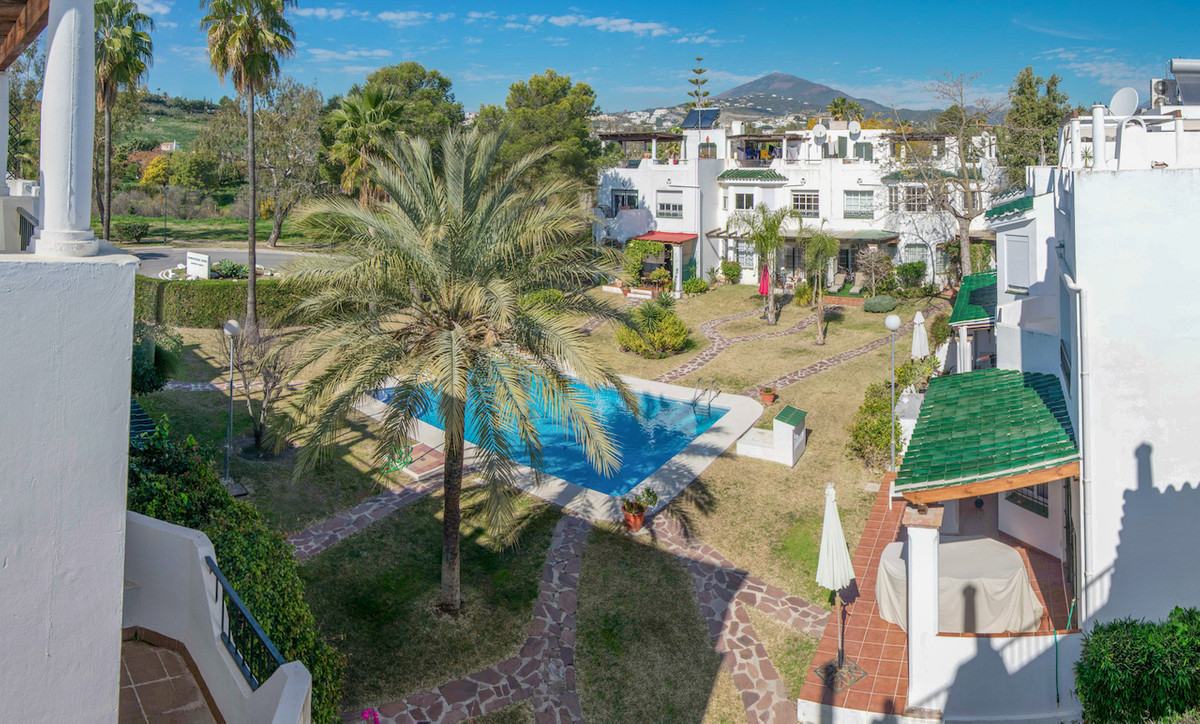 Come and view this : Stunning bright modern townhouse in  the heart of Nueva Andalucia within walkin, Spain