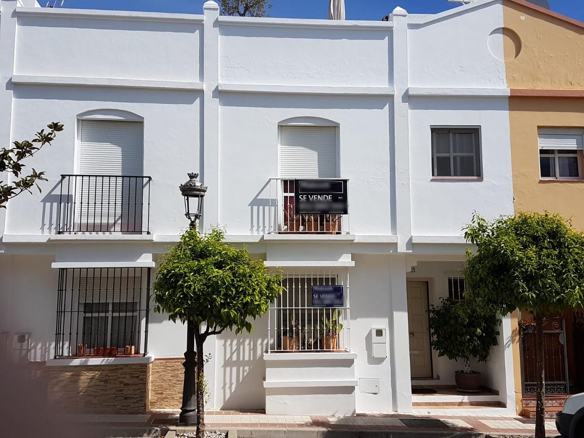 Marbella Banus Adosada en Venta en Cancelada – R3626762