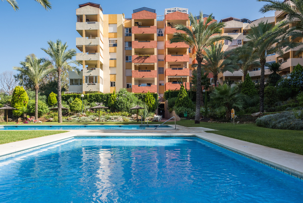A larger than average two bedroom apartment  located in one of the most sought after areas of the Co,Spain