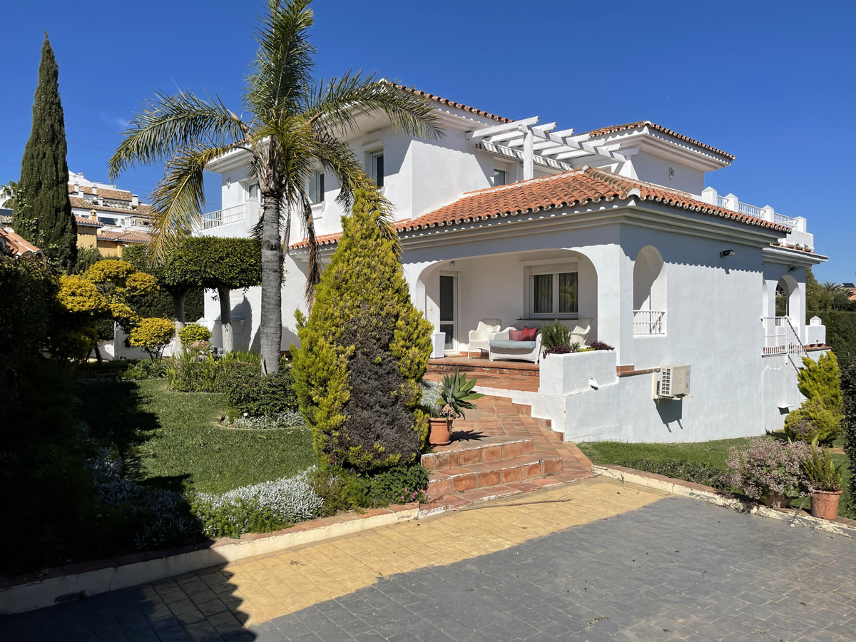 House in Atalaya R2833877 1