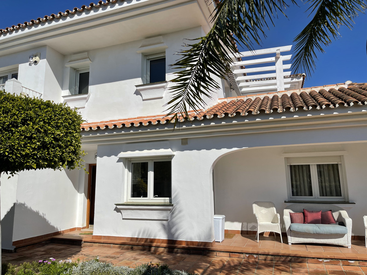House in Atalaya R2833877 2