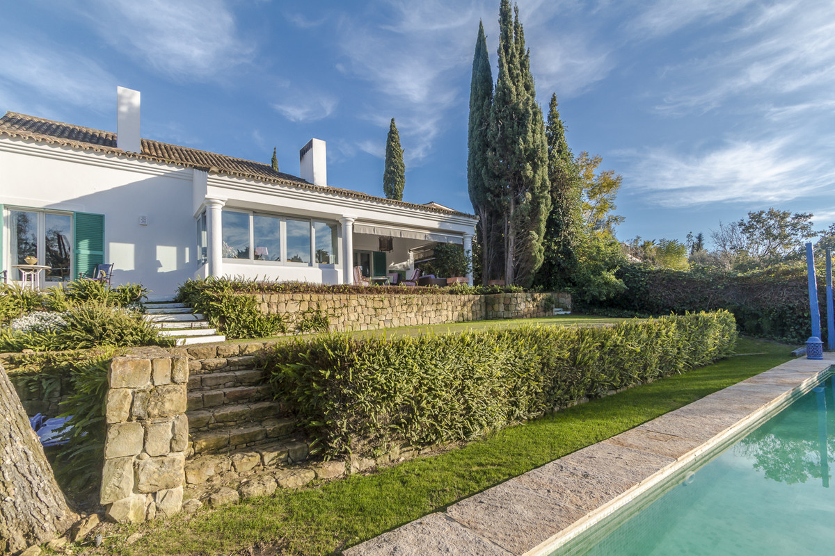 This beautiful and inviting family home is located in Sotogrande Costa, close to the shops and only , Spain