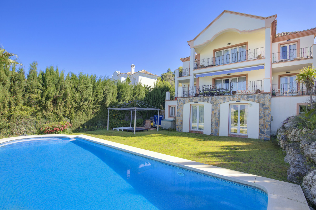Villa in Benahavis