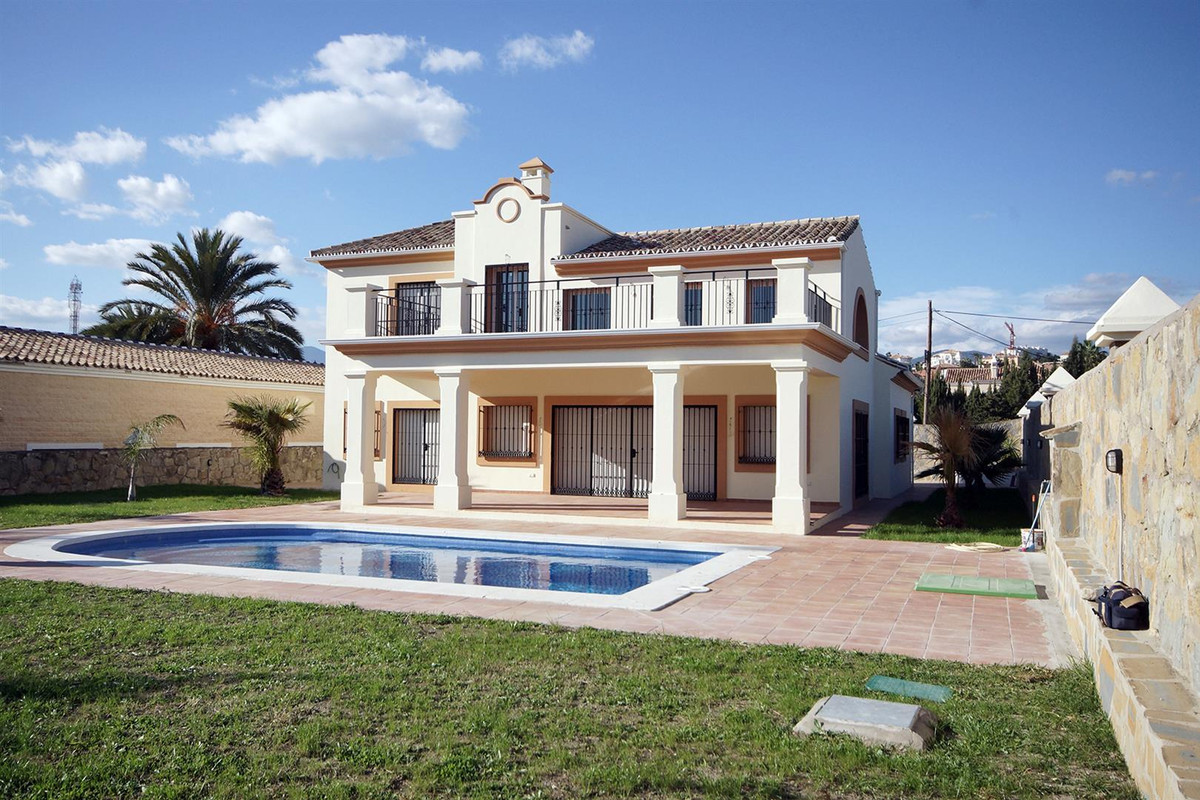 A newly built spacious villa  situated in Bel Air on the New Golden Mile, close to all amenities, go,Spain