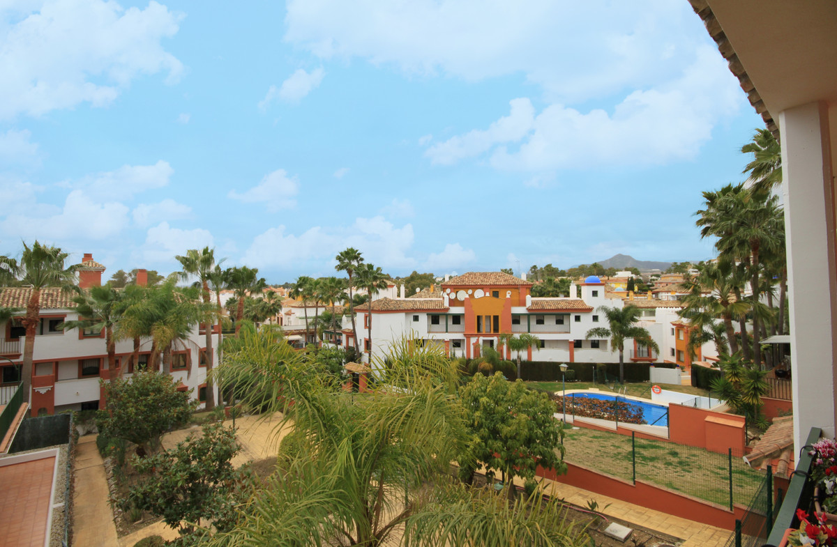 A desirable corner apartment located on the first floor of this quiet and popular complex.  The loca, Spain