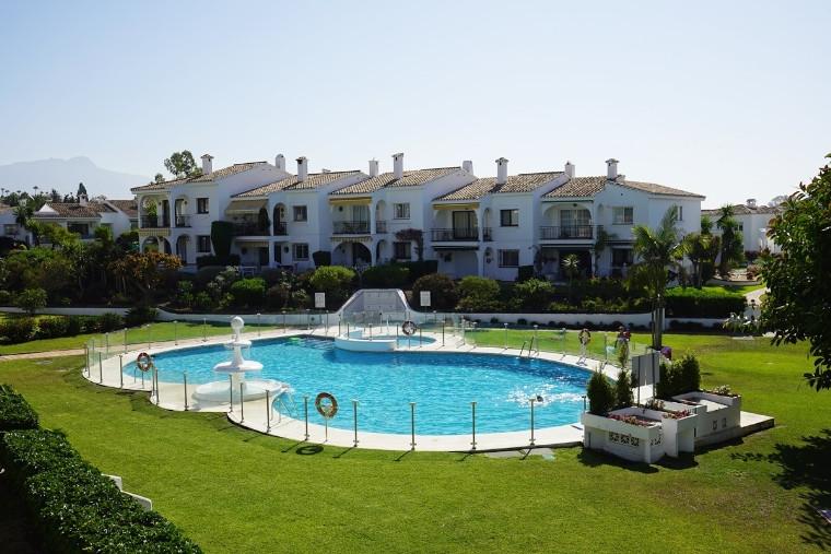 Marbella Banus Apartamento en Venta en El Paraiso – R3466966