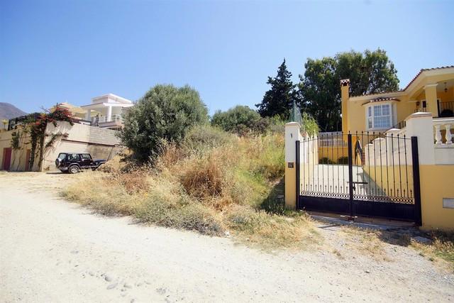 R2007623 | Residential Plot in Estepona – € 88,000