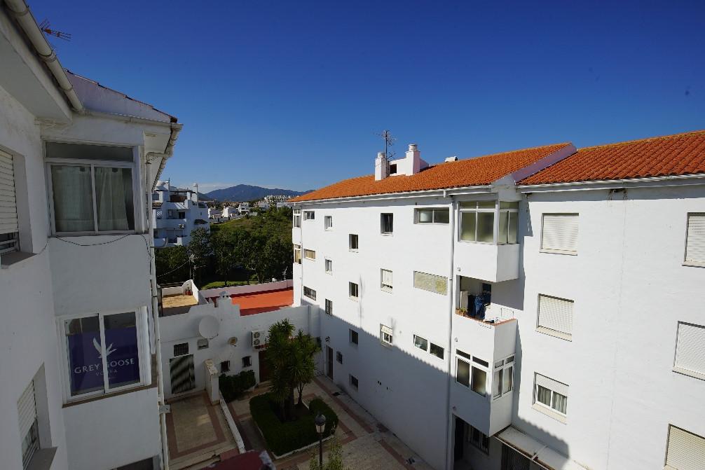 Sales - Middle Floor Apartment - Estepona - 7 - mibgroup.es