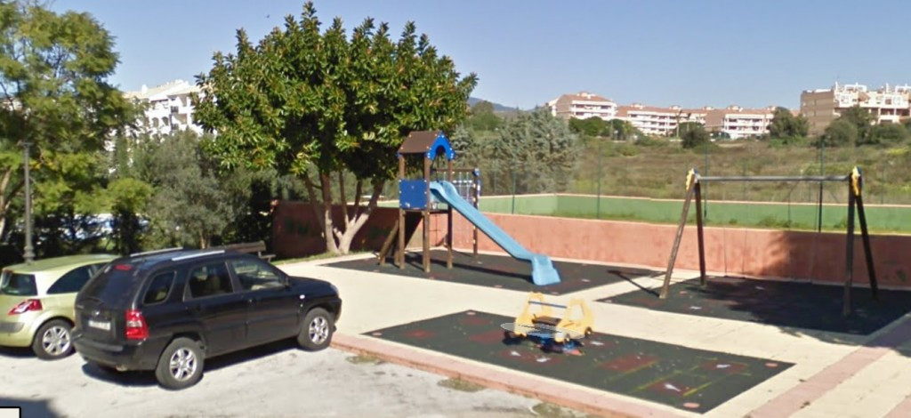 R2892977 | Middle Floor Apartment in Estepona – € 105,000 – 3 beds, 2 baths
