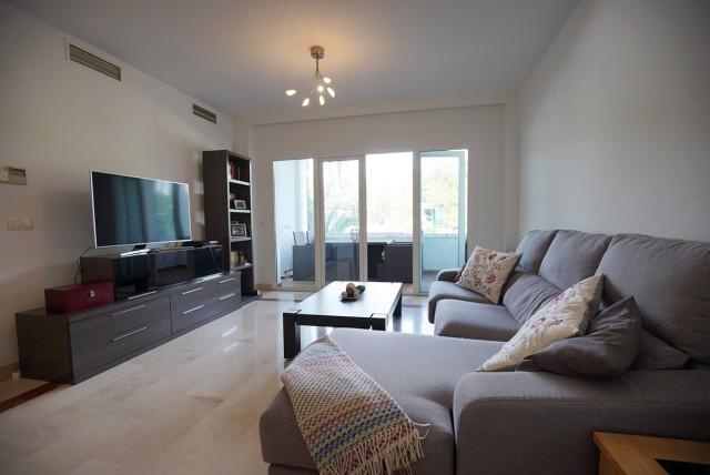 Apartamento Planta Media en Venta en Puerto Banús – R3096701