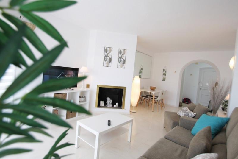 Apartamento Planta Media en venta, Calahonda – R3507283