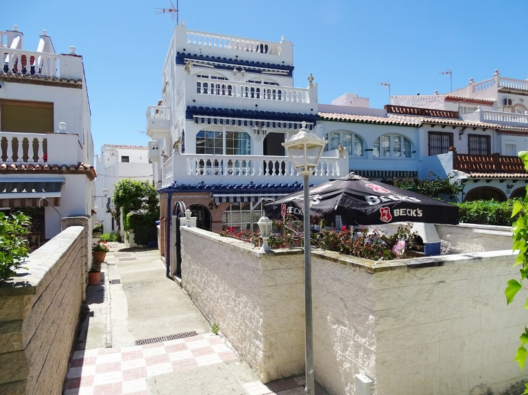 House in La Duquesa R3308179 2
