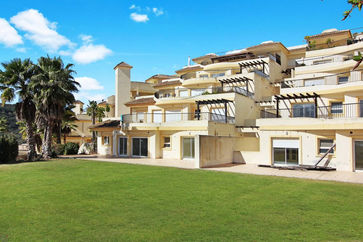 R3755698: Apartment - Middle Floor for sale in San Roque Club