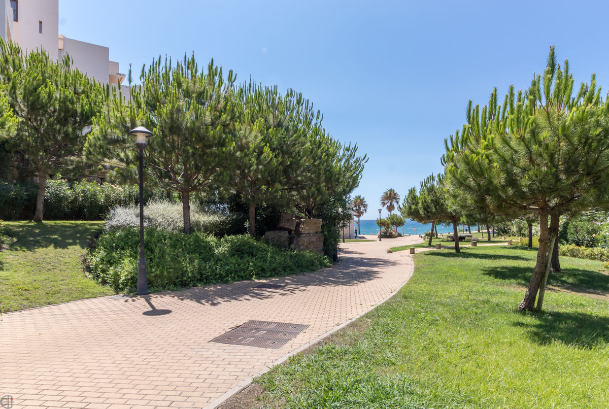 Residential complex next to the beach! This comfortable apartment is located in the luxury residenti,Spain