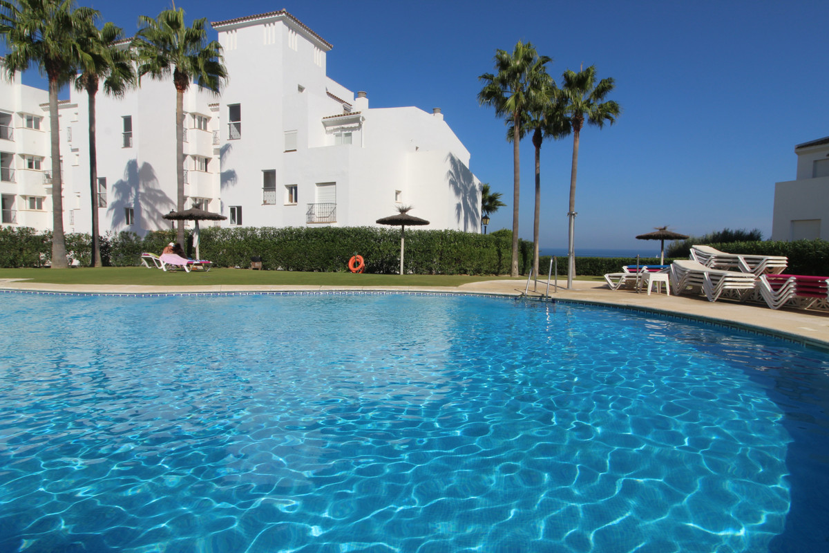 Los Hidalgos - Manilva - Nice 2 bed apartment in a quiet location with large private garden.  An apa,Spain