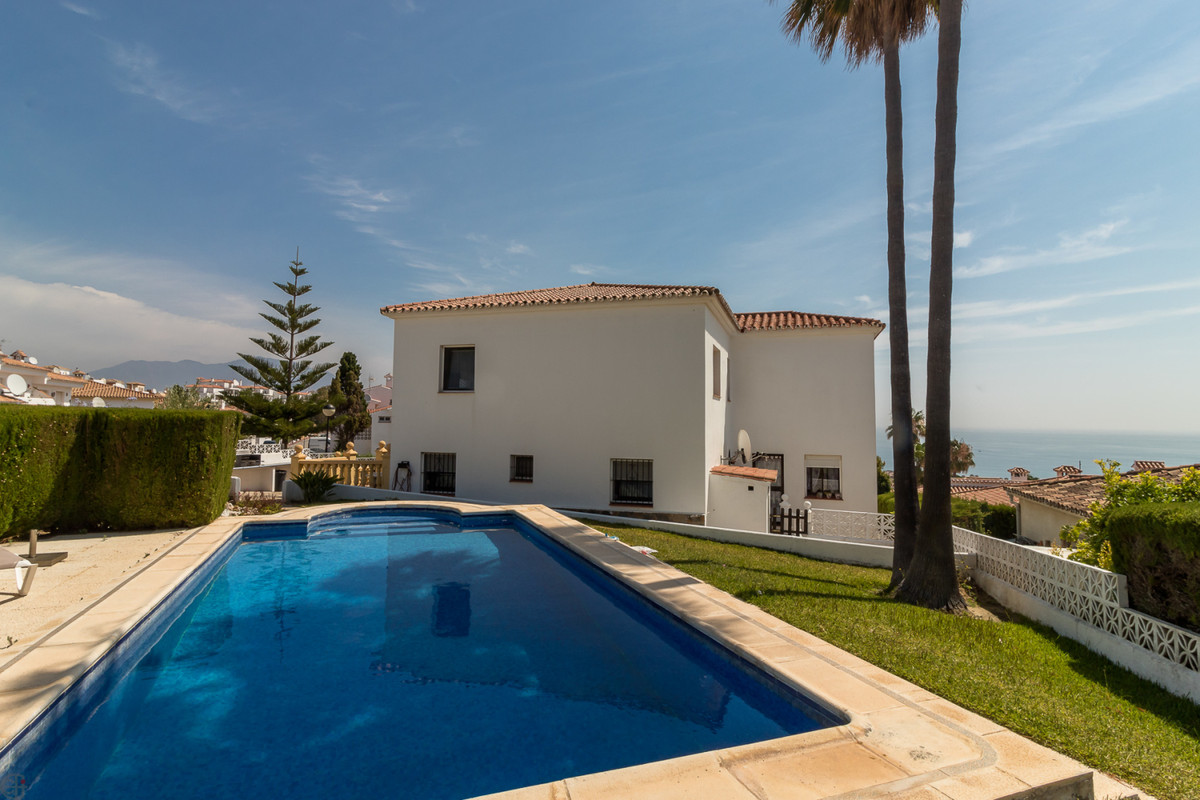 Ref:R3448249 Villa - Detached For Sale in Manilva