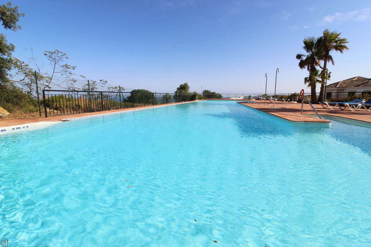 Beautiful 2 bedroom apartment in La Herencia de Casares, one of the most charming resorts on the Cos,Spain