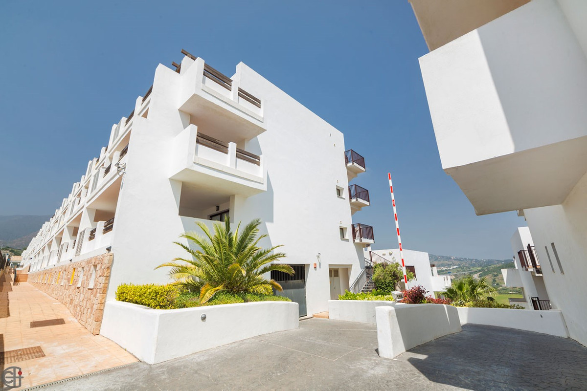 R3190942: Apartment - Middle Floor for sale in Estepona