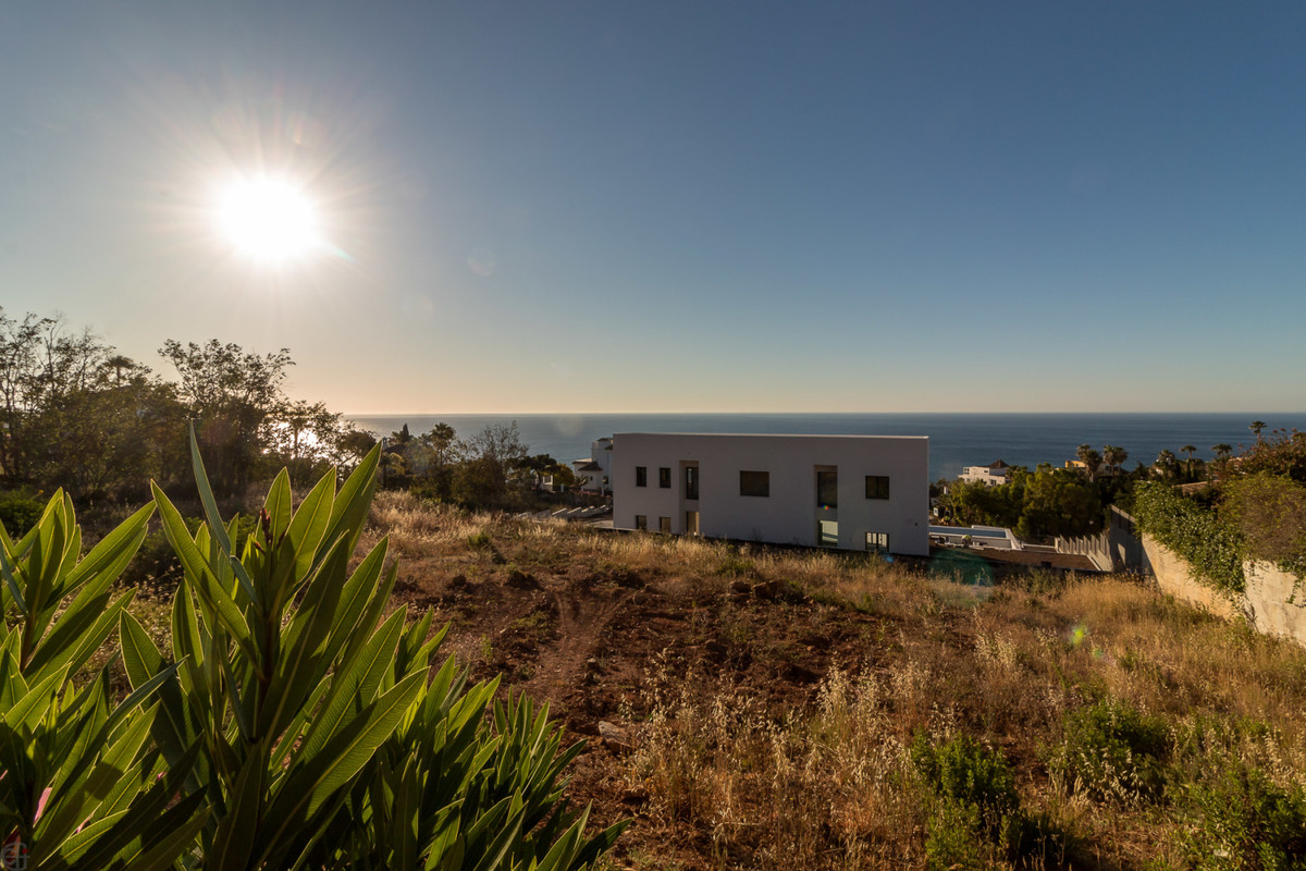 Residential plot with fantastic panoramic sea views.  This plot consists of 1,619 m², perfect for bu, Spain