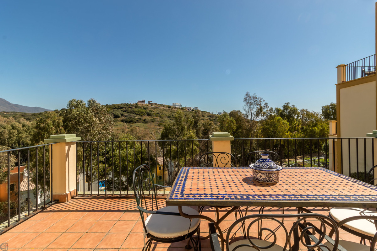 Bahia de Casares – Duplex penthouse in top location.  This beautiful property is located in the popu,Spain