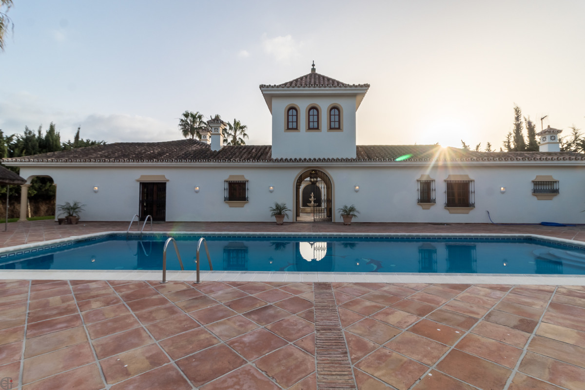 Ref:R3360511 Villa - Detached For Sale in Manilva