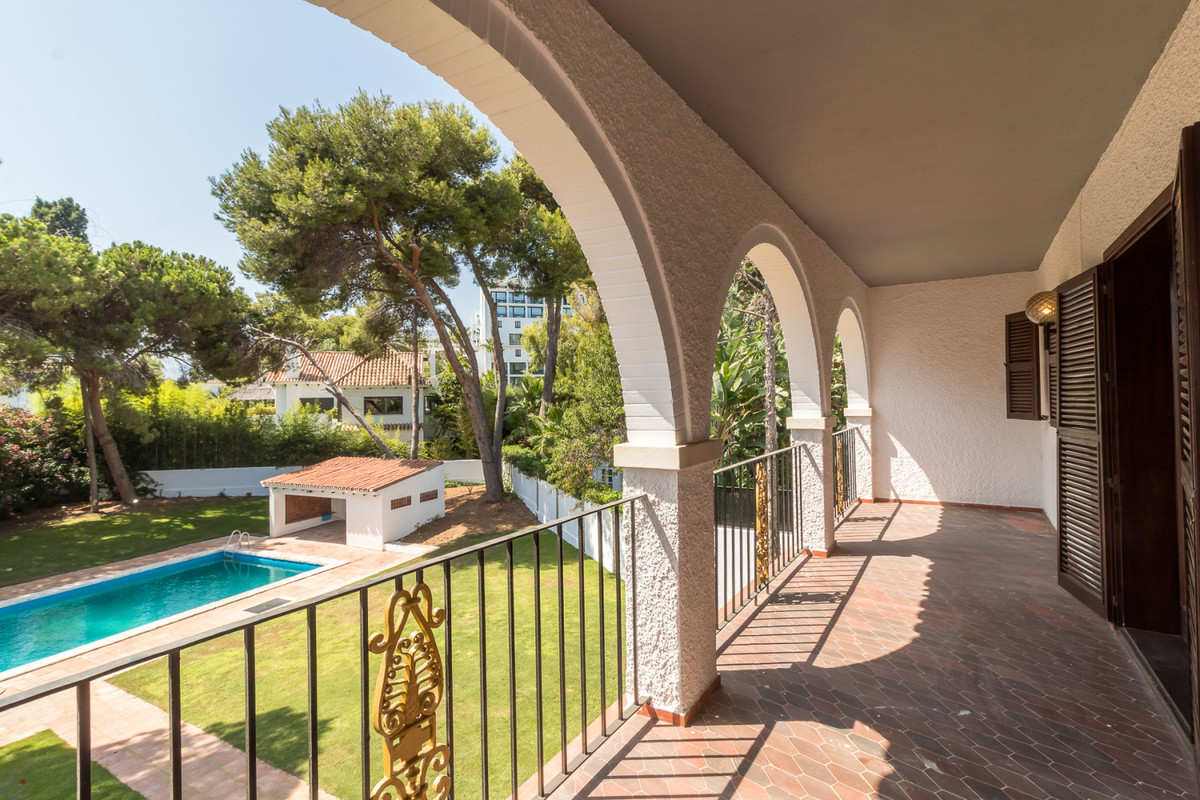 Ref:R3476089 Villa - Detached For Sale in Los Monteros