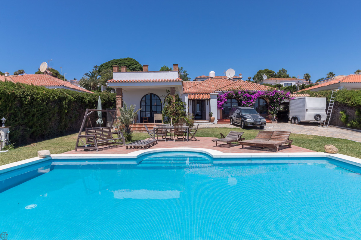 Ref:R3517408 Villa - Detached For Sale in Manilva