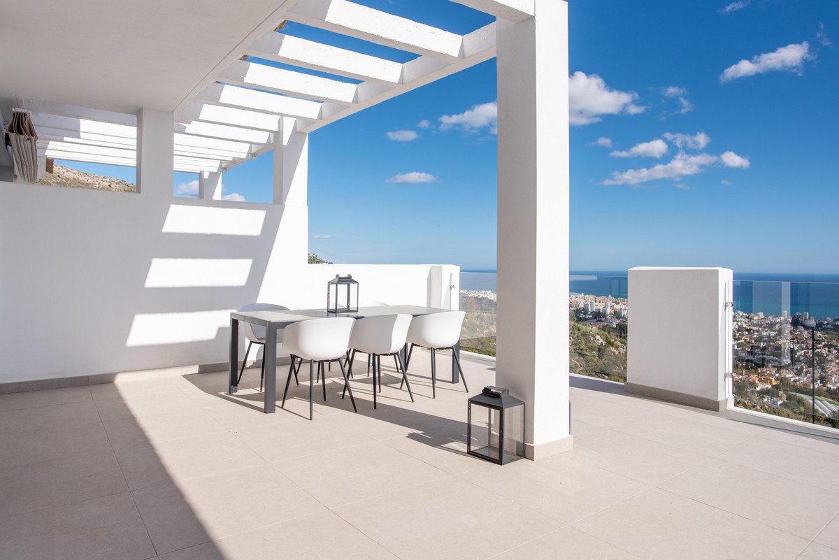 This modern 3 bedroom duplex penthouse has an open plan living area leading to a spacious terrace wh,Spain