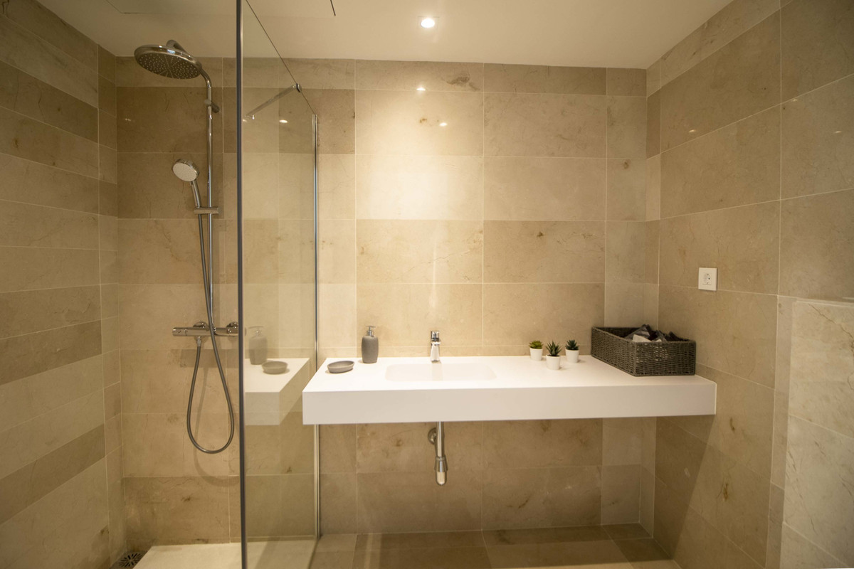 Apartamento en Venta en Nueva Andalucía – R3722429