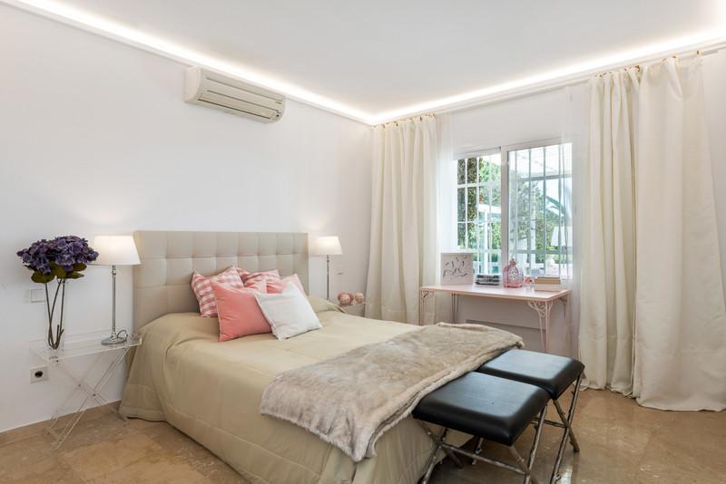 Villa – Chalet, Nueva Andalucía – R3506680