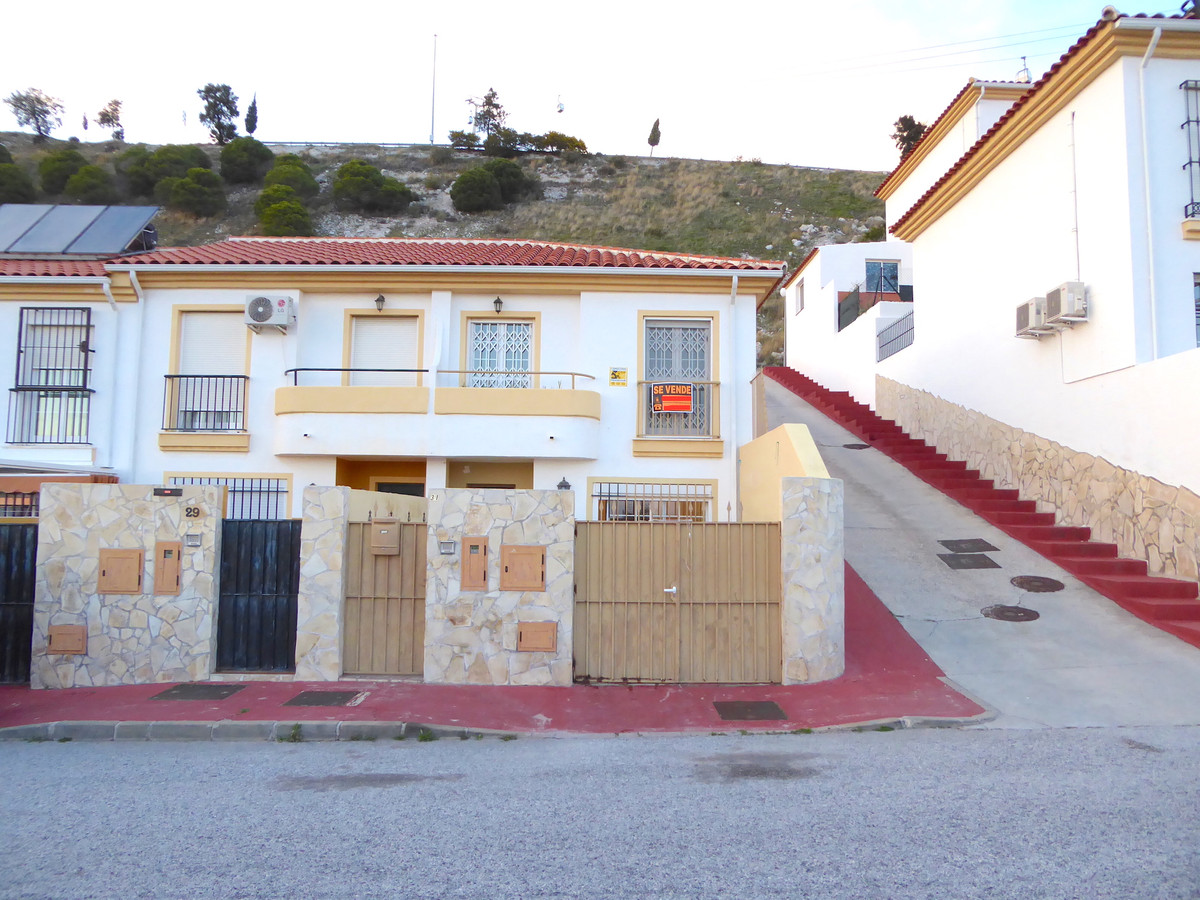 3 Bedroom Townhouse for sale Benalmadena