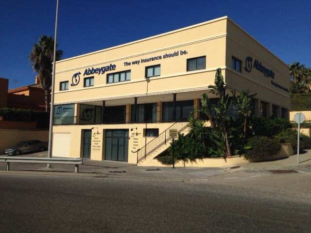 Investment opportunity; comercial premises with long term tenant (just renewed for 5 years). On the ,Spain
