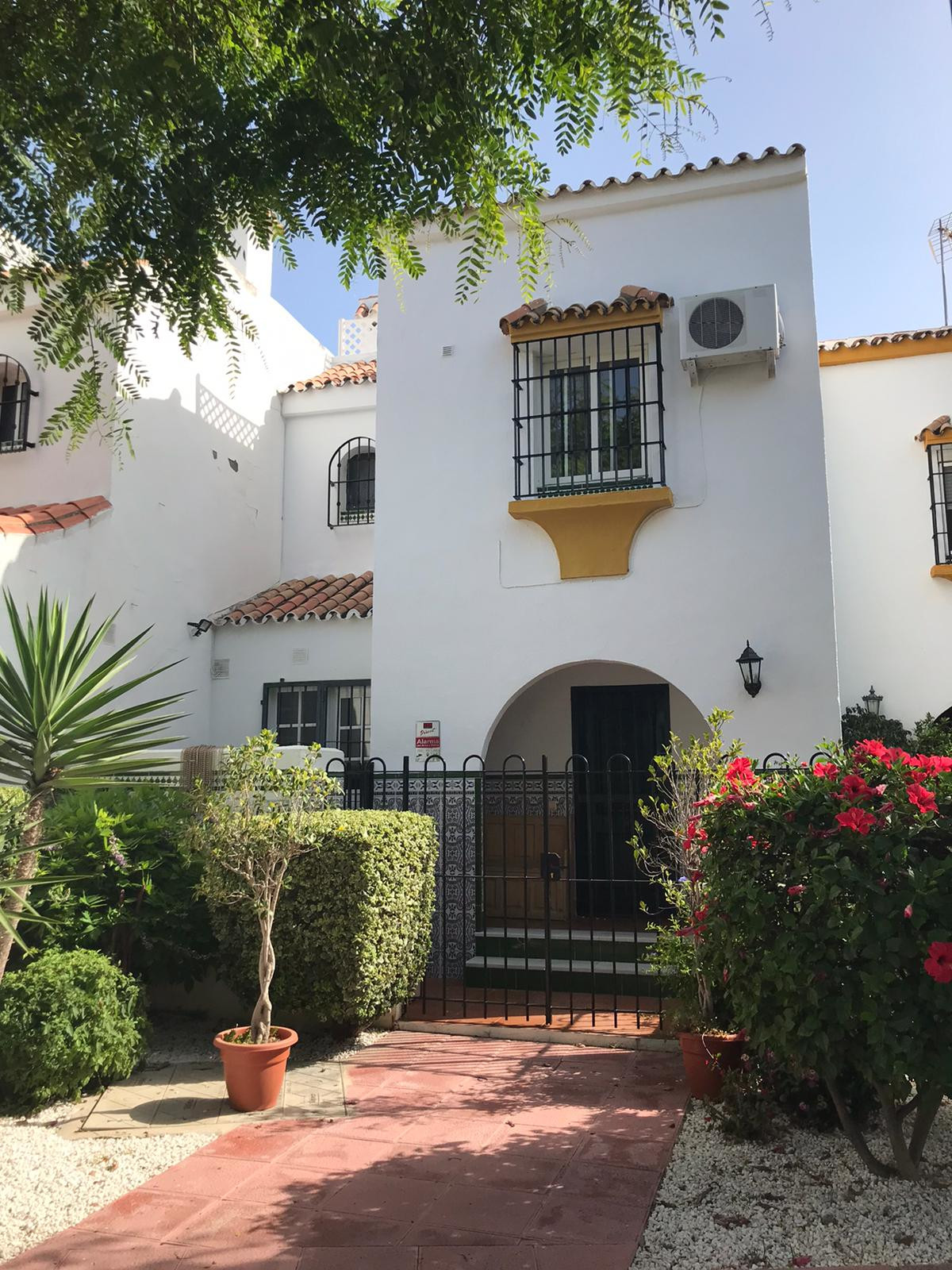 """""""This magnificent townhouse has three bedrooms and two bathrooms, a spacious living room, a lar,Spain"""