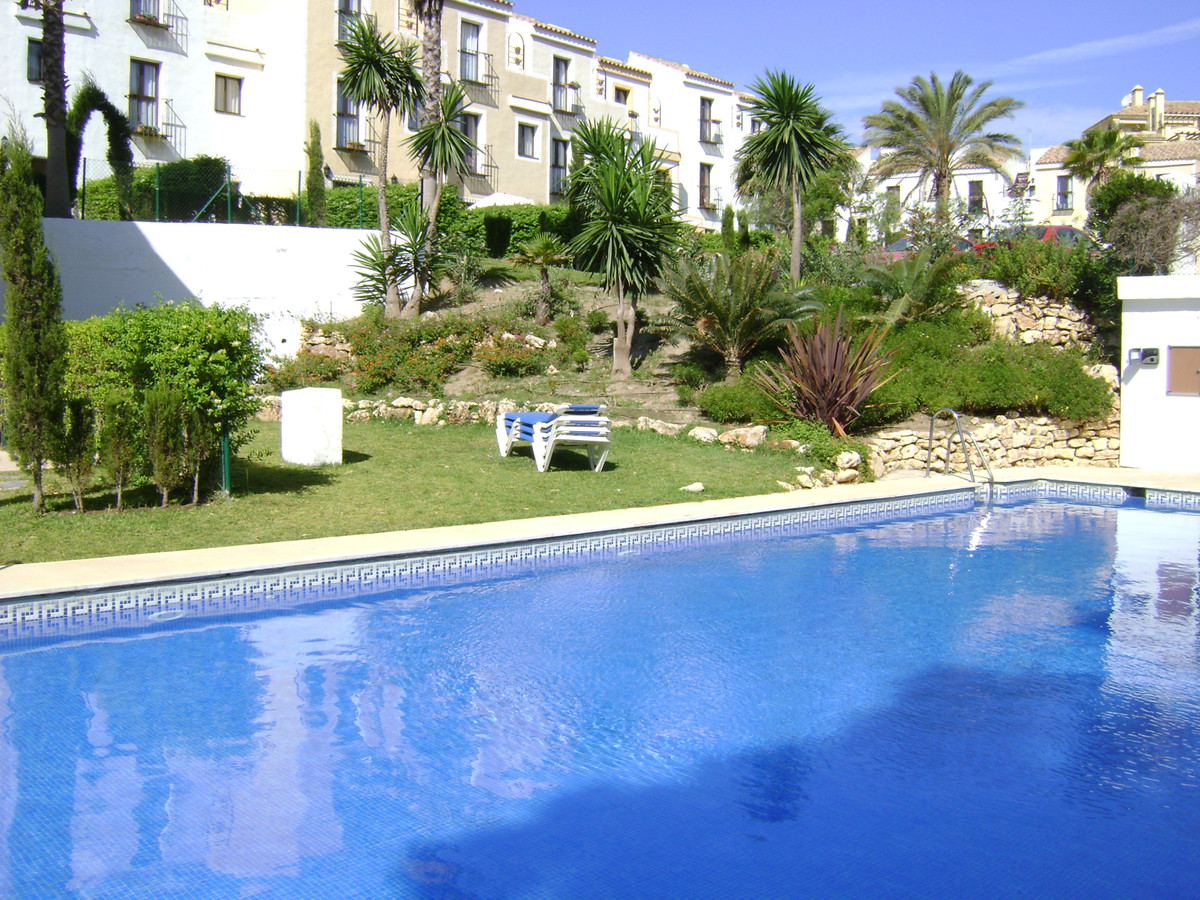 Magnificent townhouse. Very calm. Furnished to move. Includes garage space. Great garden for exclusi,Spain
