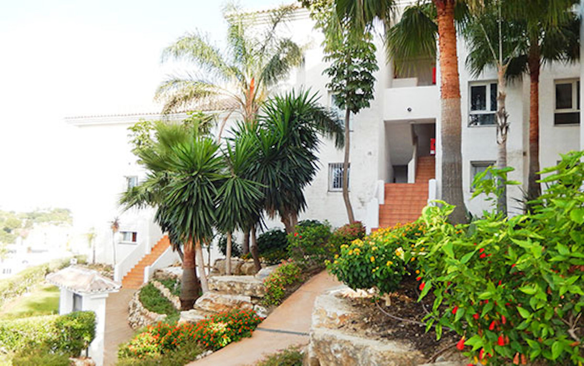 Apartment Ground Floor for sale in Estepona