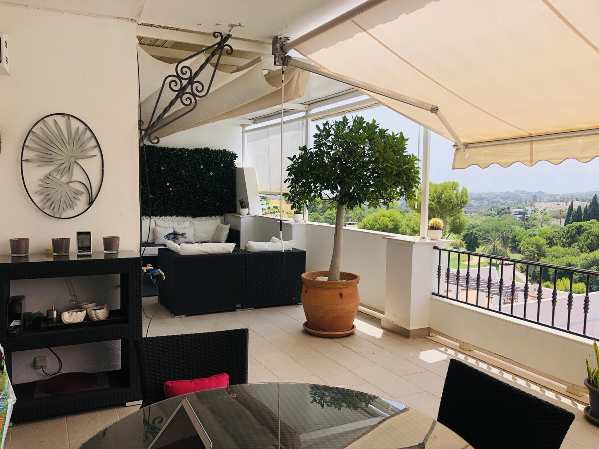 La Quinta Golf, Duplex Penthouse apt with sea, golf, pool and garden views.  Stunning, ample and bri,Spain