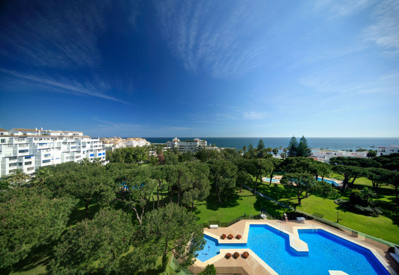 Attractive and well presented apartmen, has two good size bedrooms, 2 full bathrooms plus one guest ,Spain