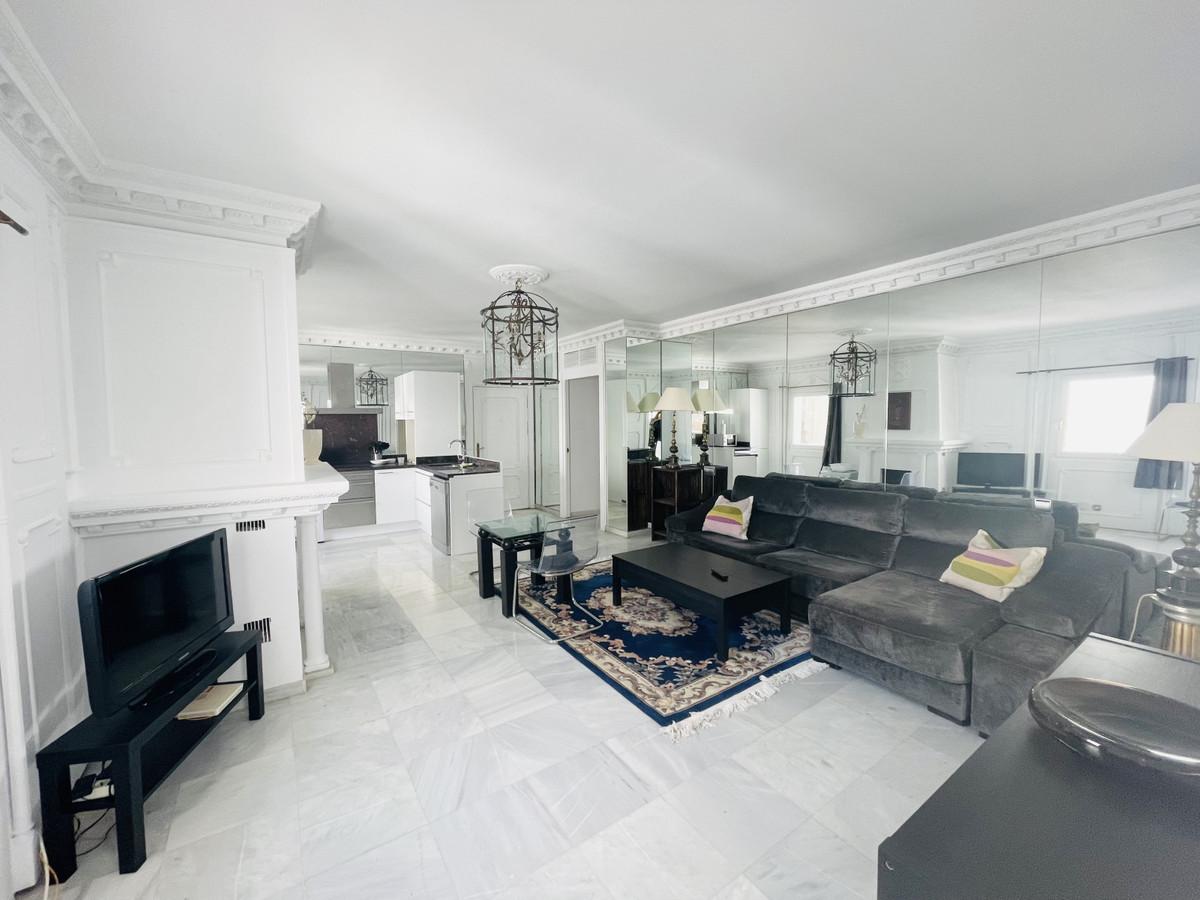Apartamento en Venta en Puerto Banús – R2319581