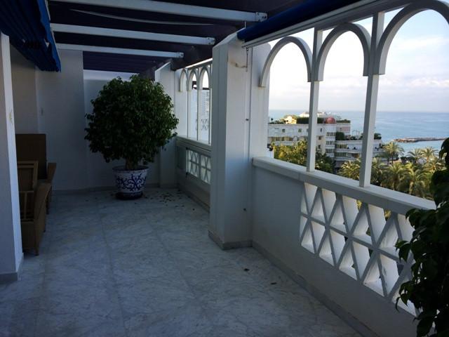 Ático en Venta en Puerto Banús – R2335154
