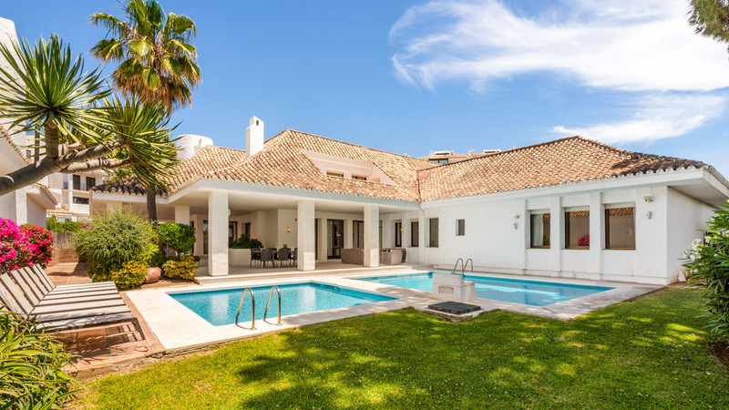 Villas for sale Puerto Banus 2
