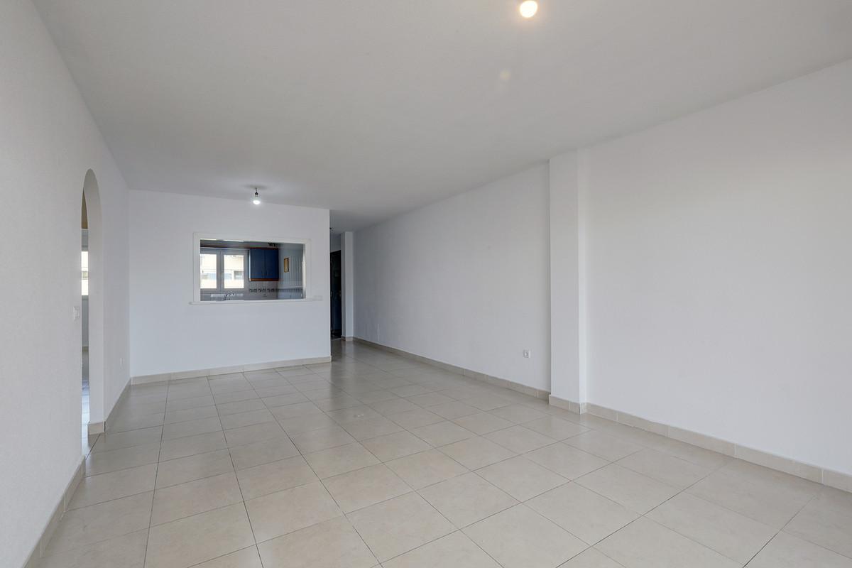 Apartamento en Venta en Calahonda – R3716027