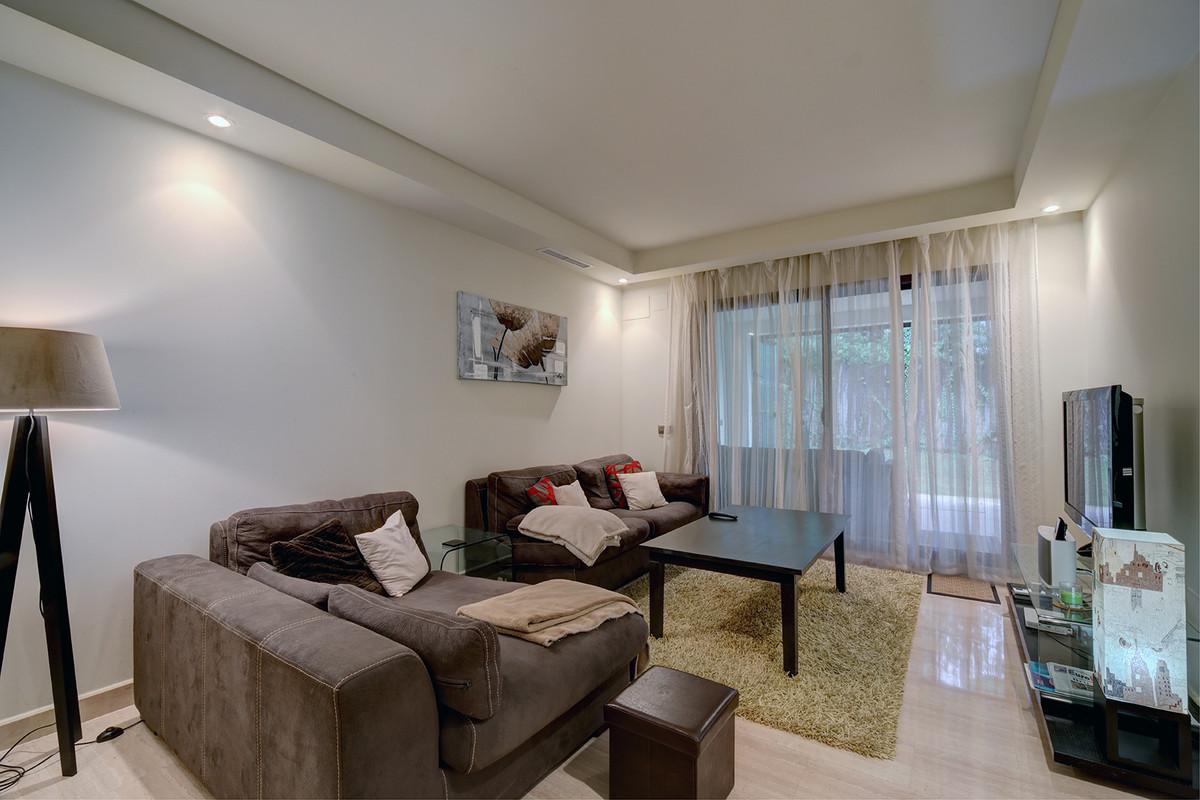 Ground Floor Apartment in Nueva Andalucía