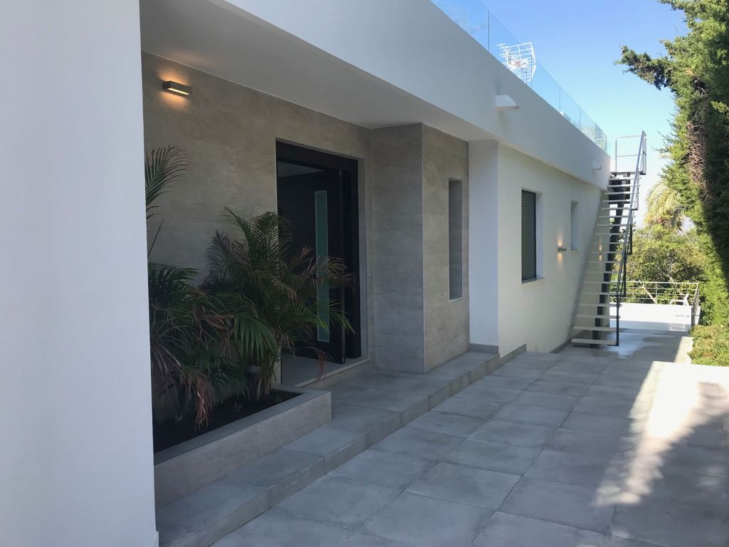 Recently built modern villa with sea views in heart of Nueva Andalucia. 4 bedrooms and 5 bathrooms. ,Spain