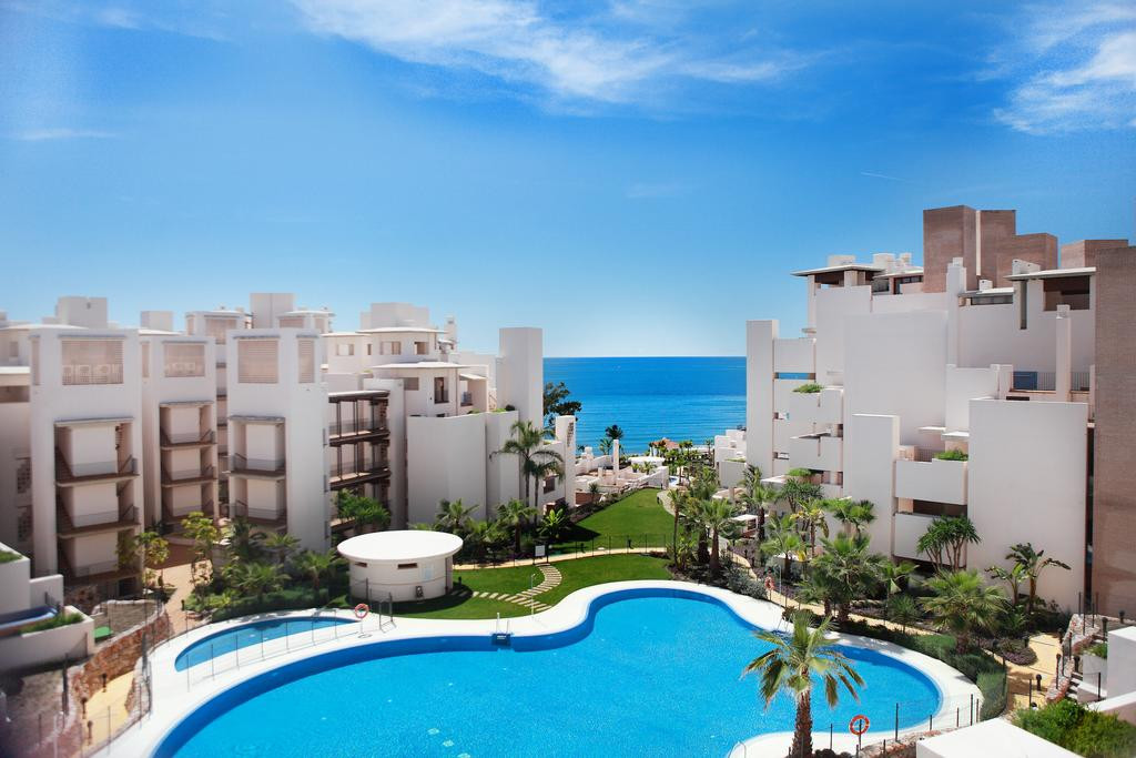 Luxurious duplex penthouse on the first line of the beach of the New Golden Mile. The modern design , Spain