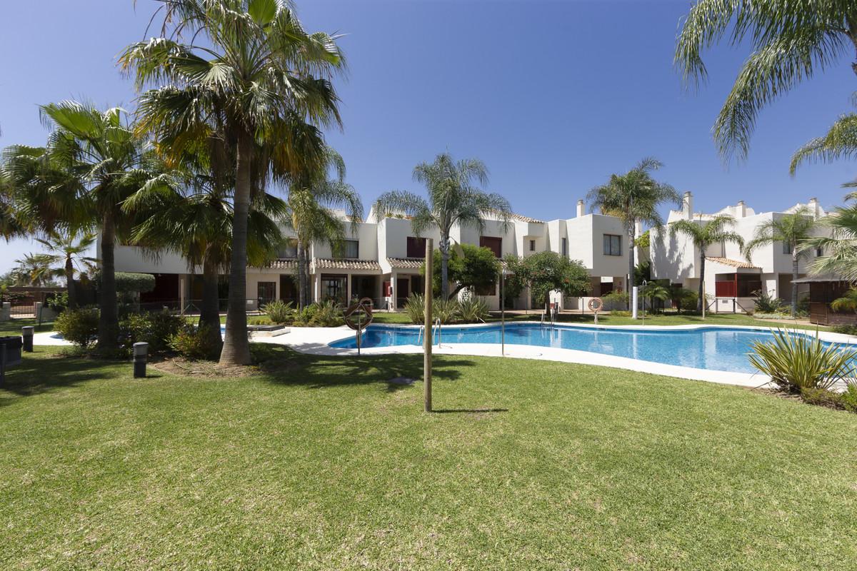 Adosada en Venta en Costalita – R3662648