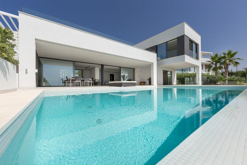 Villas for sale in Benahavis 21