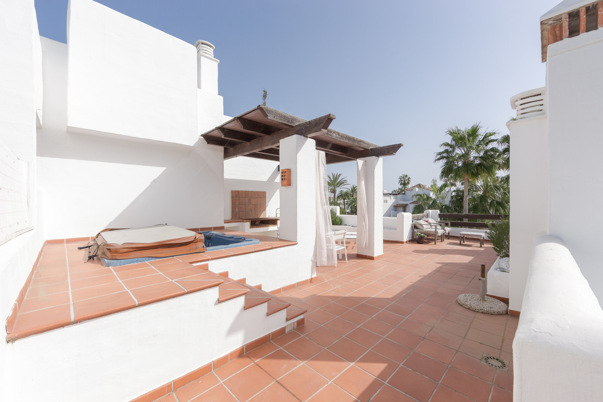 Beautiful 2 bedrooms Penthouse apartment for sale in Alcazaba Beach. This front line beach complex i, Spain